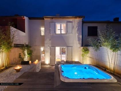 Le Bijou House